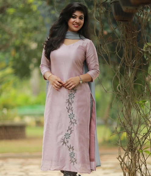 Dull Pink Chanderi Suit