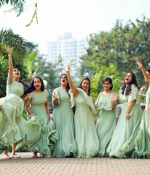 Bridesmaids in Mint Green Gowns